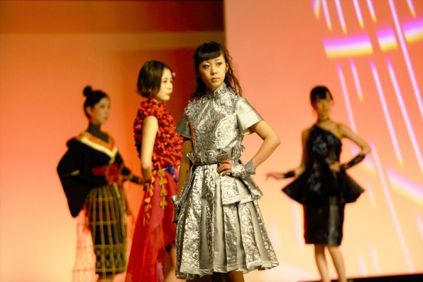 【合格者のみなさんへお願い】卒業制作ファッションショーの出欠について
